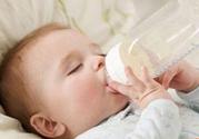 婴儿吃奶量标准是多少怎么计算