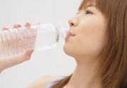 喝水减肥法 最简单的减肥方法