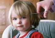 婴儿头发稀少是怎么回事怎样护理头发