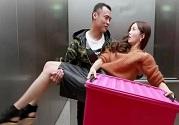 等电梯时也能轻松做到锻炼身体效