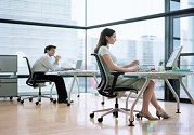 上班族椅子怎么坐?坐椅保健正确方