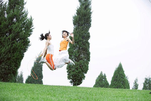 进阶版深蹲与跳绳改善失眠、骨松问题