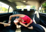 瑜伽运动有效帮助你做到瘦腰成功