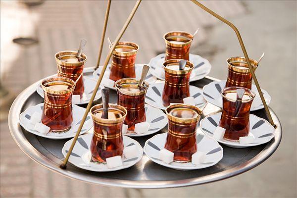 治嘴破了的小偏方 涂蜂蜜、喝浓茶