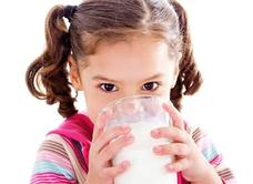 宝宝不爱喝牛奶怎么办有什么好方法 宝宝不喝牛奶怎么办,宝宝不喝牛奶有什么