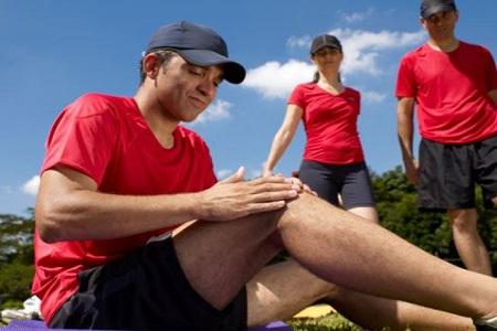 深蹲时膝盖有响声?不能超过脚尖?