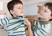 孩子出现攻击性行为父母怎么办