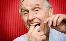 补牙洞越来越大的原因 有牙洞补牙不及时的危害