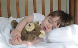 宝宝睡觉说梦话是怎么回事怎么办.png