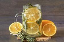 喝水的好处 每天3杯水喝出好气色