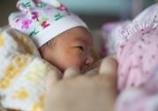 新生儿吃母乳一次吃多久才是合适的