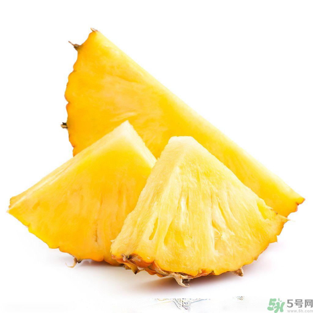 菠萝发黑能吃吗 菠萝为什么要用盐水泡