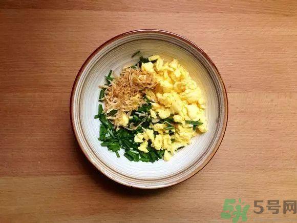 韭菜鸡蛋饼怎么做好吃?韭菜鸡蛋饼的做法大全图解