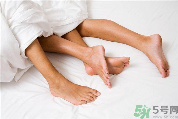 用醋泡脚能治脚臭吗??泡脚放醋能除脚臭吗??