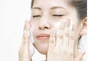 皮肤出油怎么办?皮肤出油用什么面膜?