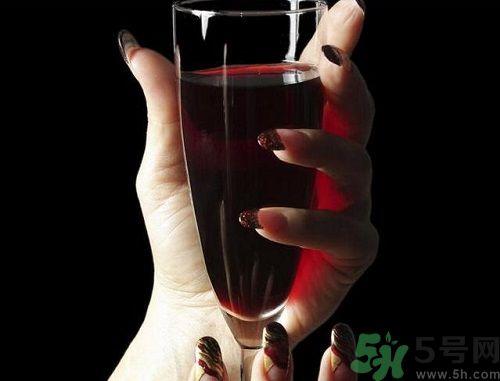 备孕期间女性能喝酒吗?备孕的女性可以喝酒吗?