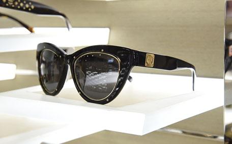 菲拉格慕墨镜多少钱 轻奢级太阳镜典范