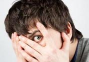 社交恐惧症的原因及表现?如何治疗社交恐惧症?