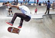 电动滑板怎么玩?电动滑板车能在马路上玩吗