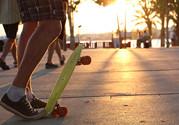 玩滑板脚裸疼怎么回事?玩滑板脚裸疼怎么办