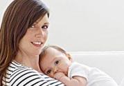 女人产后脱发是什么原因?产后脱发严重怎么办?