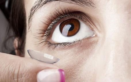 眼睛小戴美瞳能显大吗 为什么戴美瞳眼睛会大