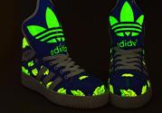 阿迪达斯鞋子怎么辨别真假?阿迪达斯