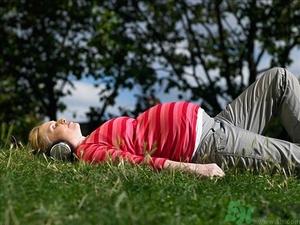 怀孕六个月睡觉姿势图 怀孕六个月的正确睡姿