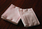 纸巾可以代替面膜纸吗?纸巾可以代替化妆棉吗?