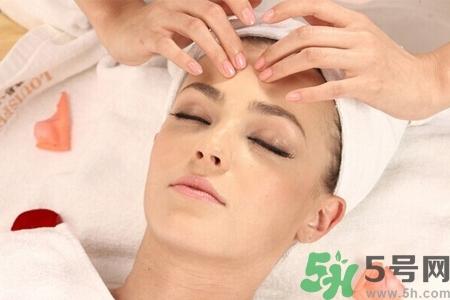 经常面部刮痧好吗??经常面部刮痧对皮肤有伤害吗??