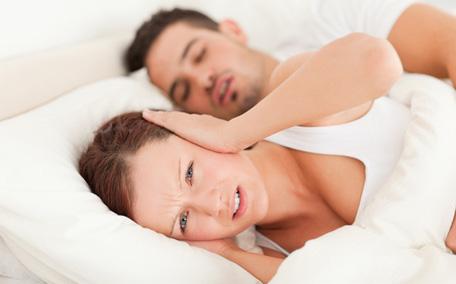 打鼾枕头应该高还是低_打呼噜枕头是高点好还是低点好