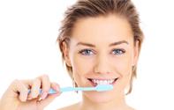 坐月子刷牙怎么办?坐月子可以用漱口水吗?