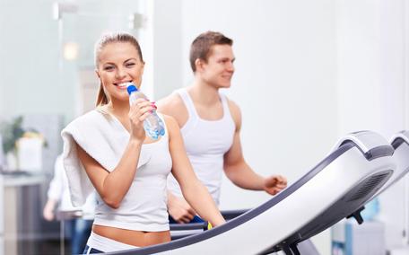吃饭前跑步好还是吃饭后跑步 饭前跑步好还是饭后好