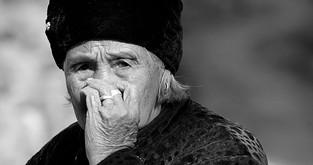 打哈欠会中风吗?老人经常打哈欠要警惕中风