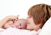 喂母乳为什么会胸部下垂?正确哺乳不会导致胸部下垂