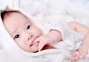 新生儿身上有白色脓包是怎么回事?