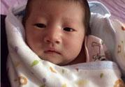 新生儿脸上长小白点是怎么回事?是