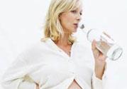 怀孕3个月总是口渴是怎么回事?正常吗?