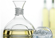 香水可以放塑料瓶里吗?香水能用塑料瓶装吗?