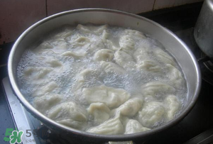 冷冻水饺怎么煮不破?冷冻水饺怎么煮好吃?
