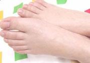 盐水泡脚能消肿吗?盐水泡脚可以消肿吗?