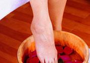 顺产后多久可以洗脚?顺产后多少天能洗脚?