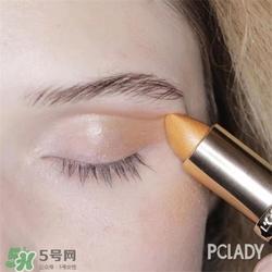 棕色眼影的画法图片