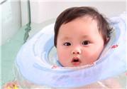 婴儿游泳多久一次合适 婴儿游泳多久一次好