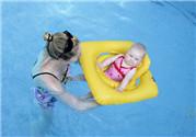 婴儿游泳注意事项 婴儿游泳需要注意什么