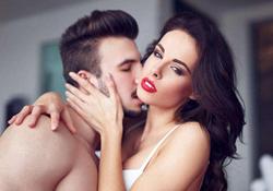 接吻看出男人是否爱你 男人吻你下身是爱你吗