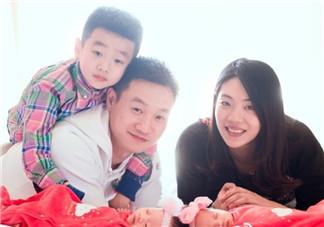 杨威二胎是试管吗 杨威泰国试管怀双胞胎