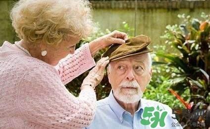 老人抑郁症如何治疗 老人抑郁症怎么治疗