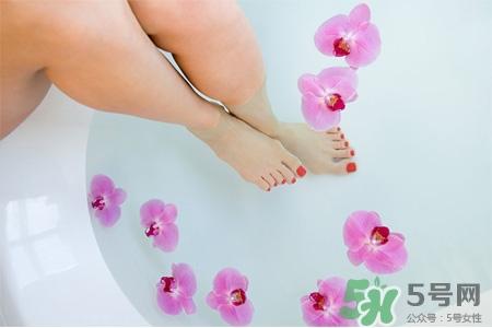 艾草泡脚有助怀孕吗?艾草泡脚有助于备孕吗?