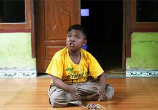 男童2岁时日抽40支烟 吸烟的危害有哪些